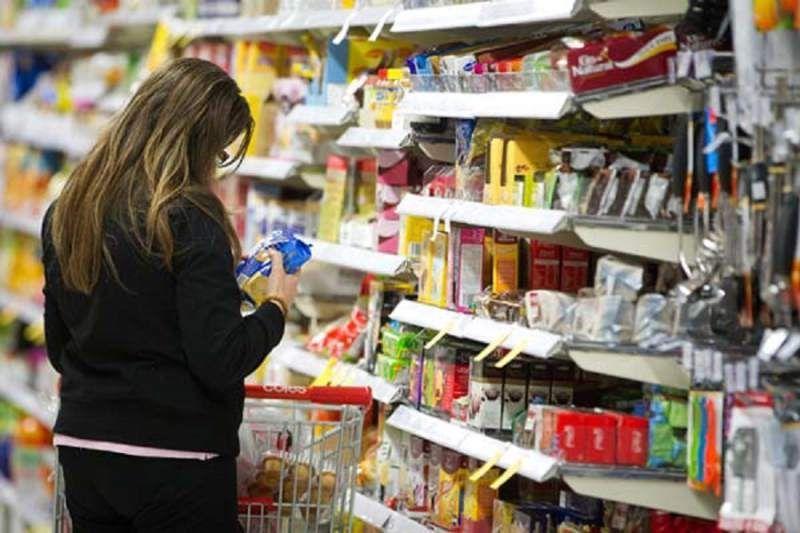 Se recupera confianza del consumidor en abril