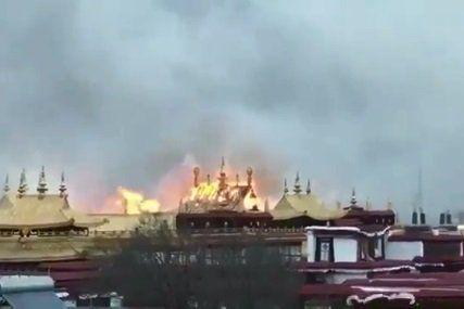 Incendio en el mayor monasterio tibetano - Foto de Internet