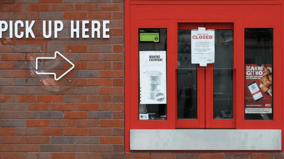 KFC cierra restaurantes por falta de pollo en Reino Unido - Foto de Internet