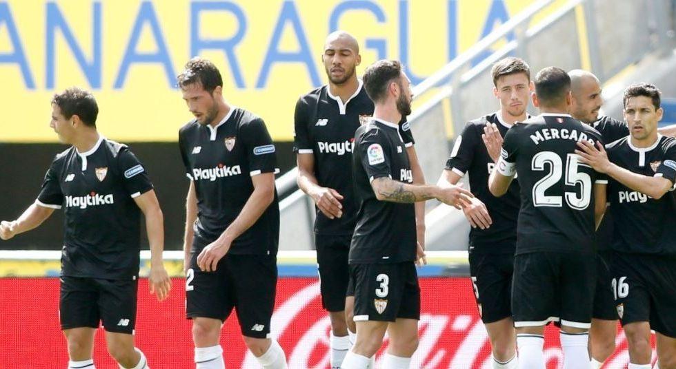 Layún juega todo el partido en victoria del Sevilla