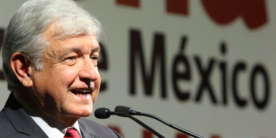 López Obrador propone redactar Constitución Moral