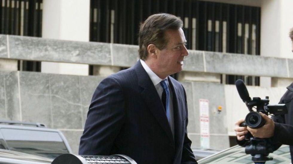 Juez ordena encarcelar a Paul Manafort - Foto de AP