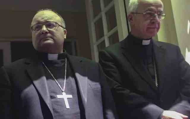 Enviado del Vaticano a Chile se reúne con víctimas de maristas - Foto de AFP