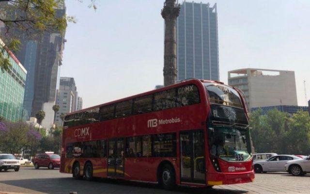 Inauguran Metrobús en Reforma