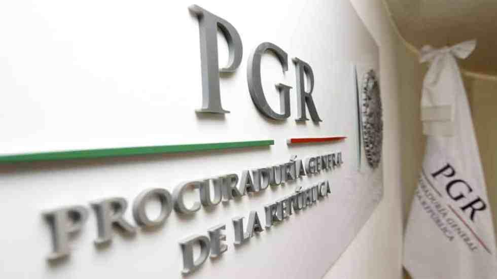 Sentencian a tres años de cárcel a agente de PGR por cohecho - Foto de @PGR_mx