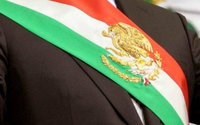 Avalan que Banda Presidencial lleve el color verde en franja superior - Foto: Internet.