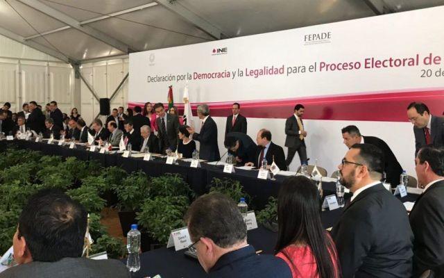INE y CONAGO firman declaratoria por la democracia y legalidad - Foto de AIEEF