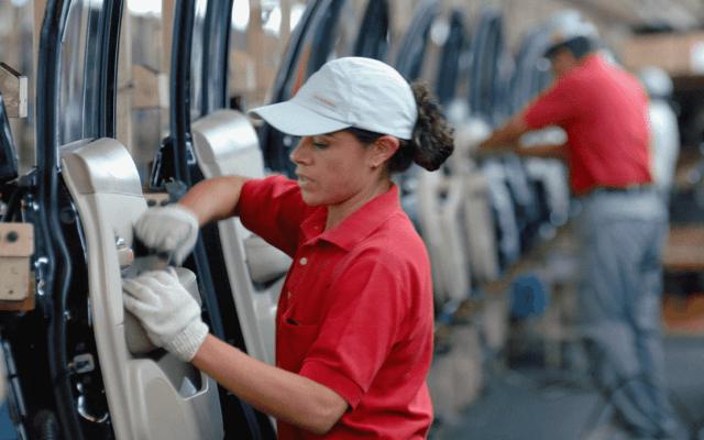 Desocupación nacional retrocede a 3.2 por ciento en octubre