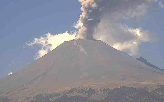 Urgen medidas de prevención en Ciudad de México tras erupción en Guatemala - Foto de @webcamsdemexico