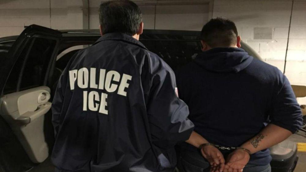 Detienen a 232 inmigrantes en California - Foto de @UniNoticias