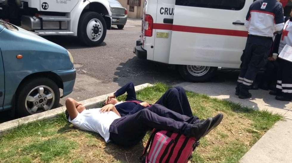Al menos 16 menores intoxicados tras fuga de gas en la Narvarte - Foto de @Foro_TV