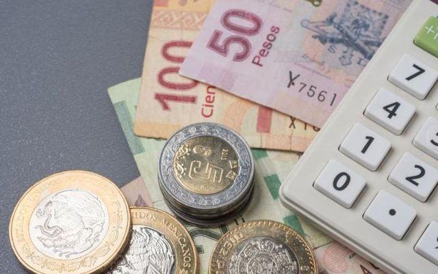 Coneval admite posibilidad de aumentar a 100 pesos el salario mínimo - Foto de internet