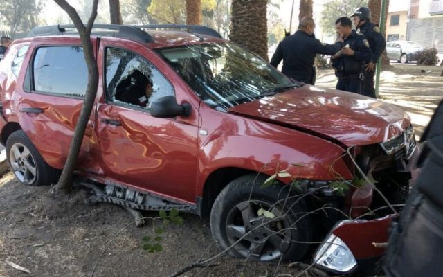 Mueren dos presuntos delincuentes en San Juan de Aragón - Foto: @israellorenzana.