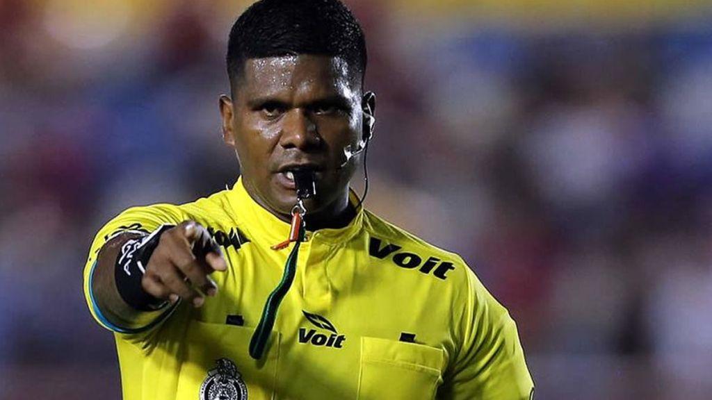 Resultado de imagen para arbitro mexicano denuncia racismo