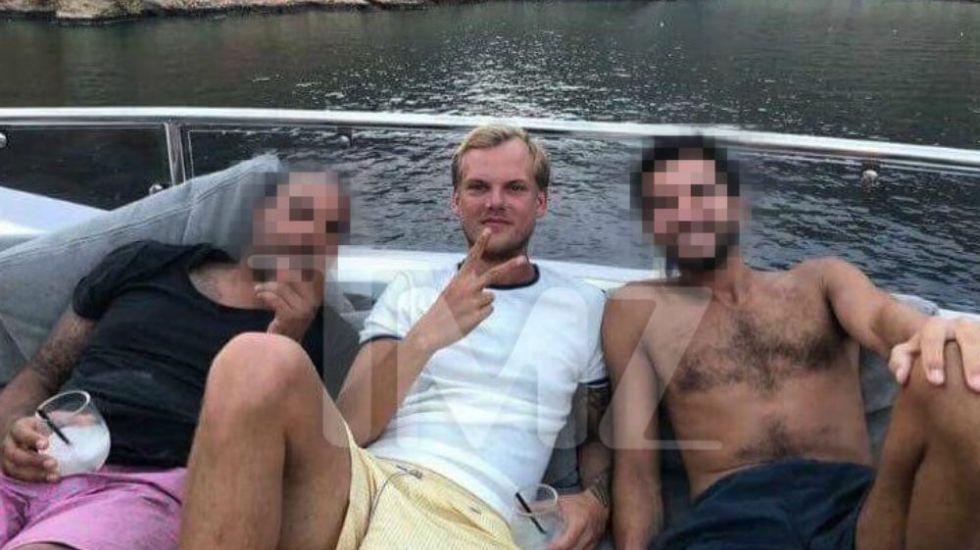 Captan a Avicii disfrutando en yate un día antes de su muerte - Foto de TMZ