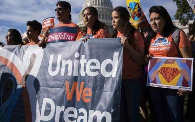 Juez federal ordena a Trump reactivar DACA y aceptar nuevos 'dreamers' - Foto de internet.