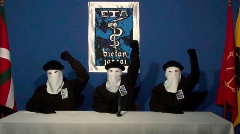 ETA pide perdón y reconoce daño a sociedad vasca - Foto de AP