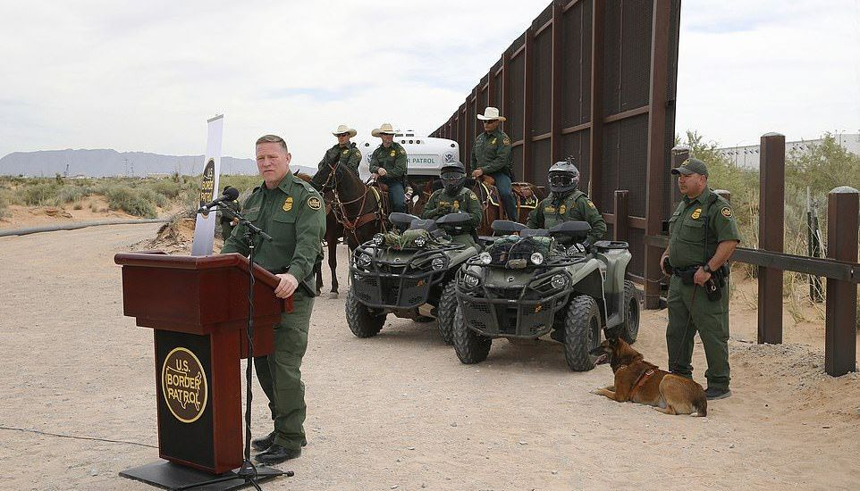 Estados despliegan a la Guardia Nacional en frontera con México - Foto de AP