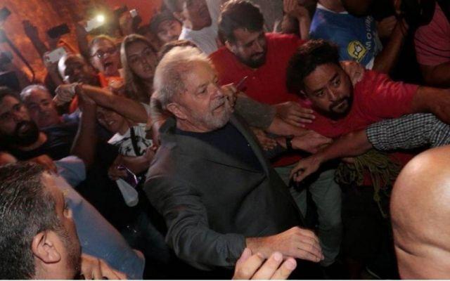 Lula será candidato a presidencia de Brasil pese a estar encarcelado - Foto de O Globo
