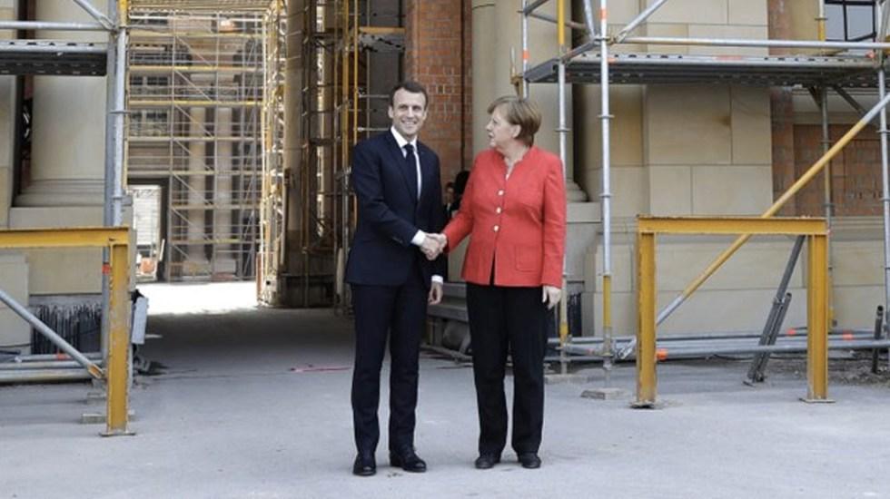Macron se reúne con Merkel - Foto de AP