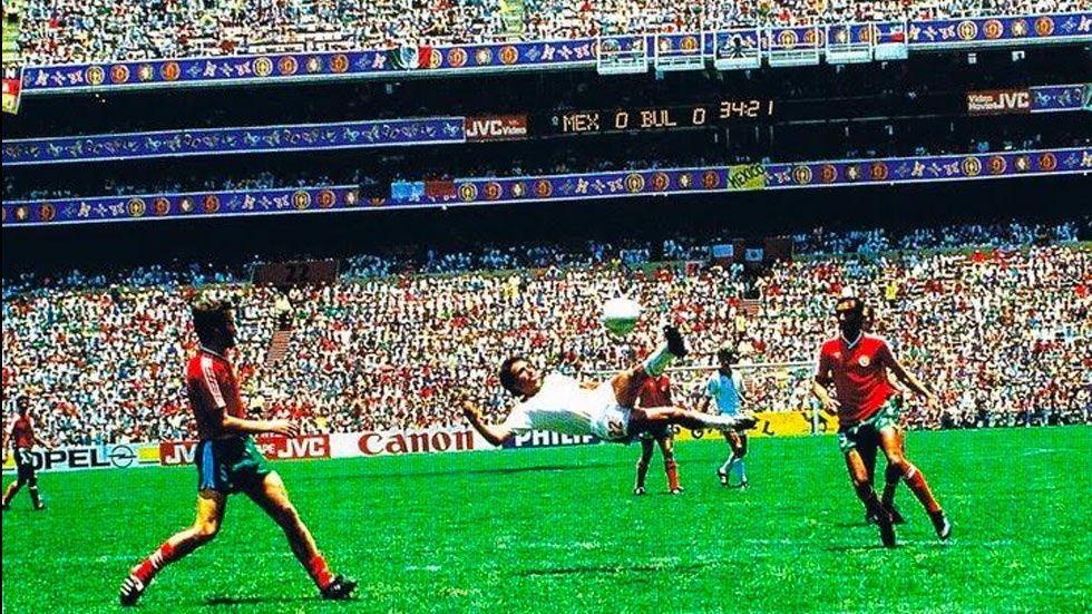 Negrete gana premio al mejor gol en la historia del Mundial - Foto de Televisa Deportes