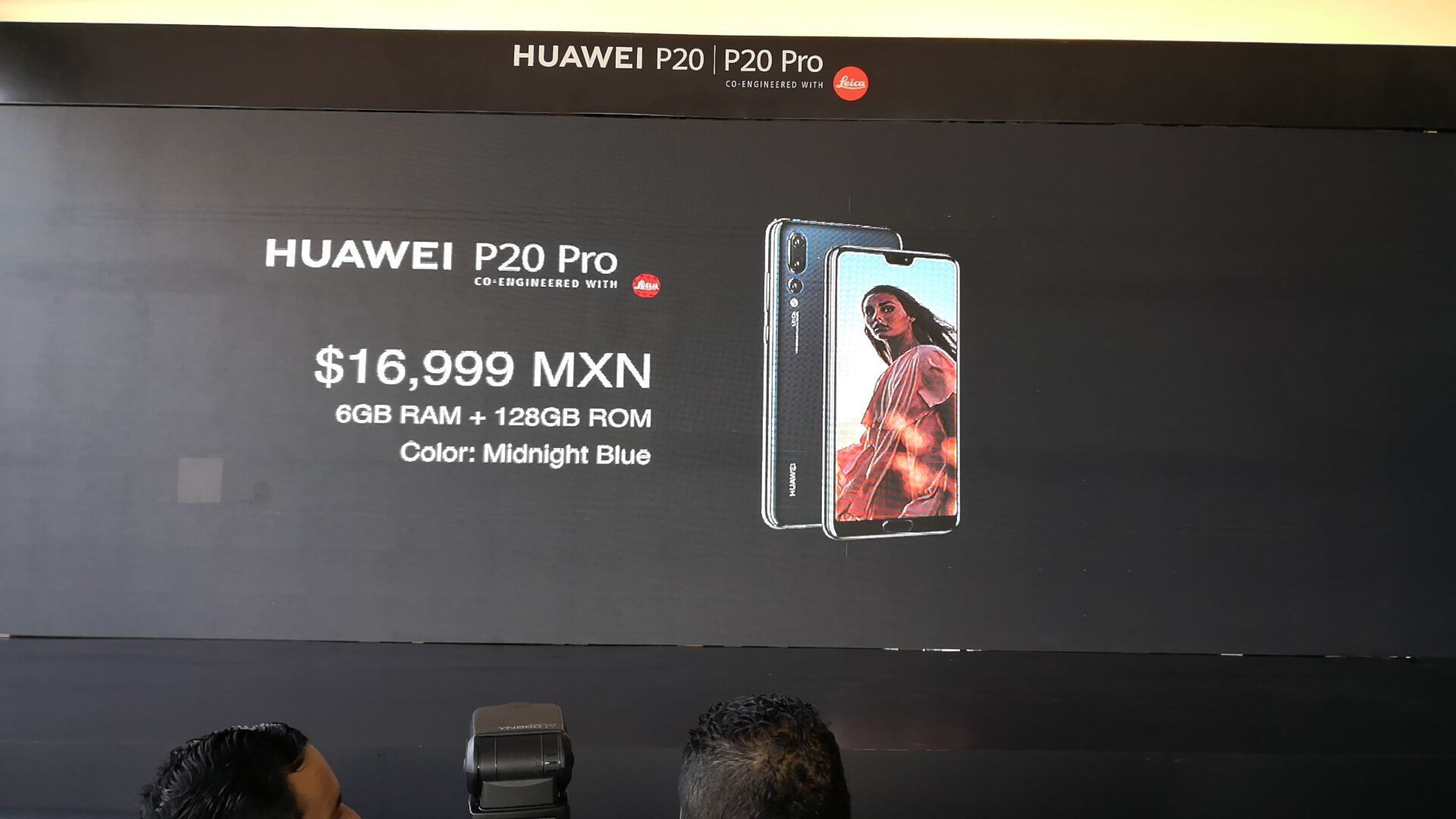 Largas filas para comprar el Huawei P20 y P20 Pro