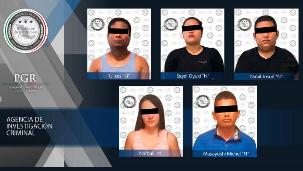 Encuentran auto abandonado con 5 cuerpos en Quintana Roo