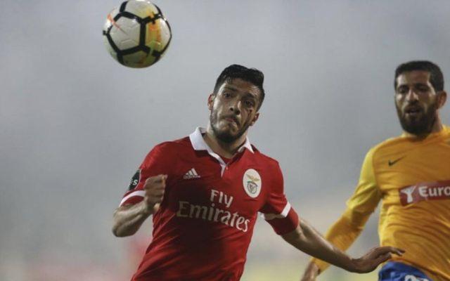 #Video Jiménez recibe duro golpe en triunfo del Benfica - Foto de @InformGlorious