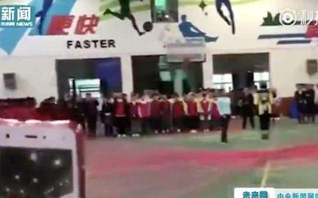 #Video Estudiante salta 120 cuerdas al mismo tiempo - Foto de Internet