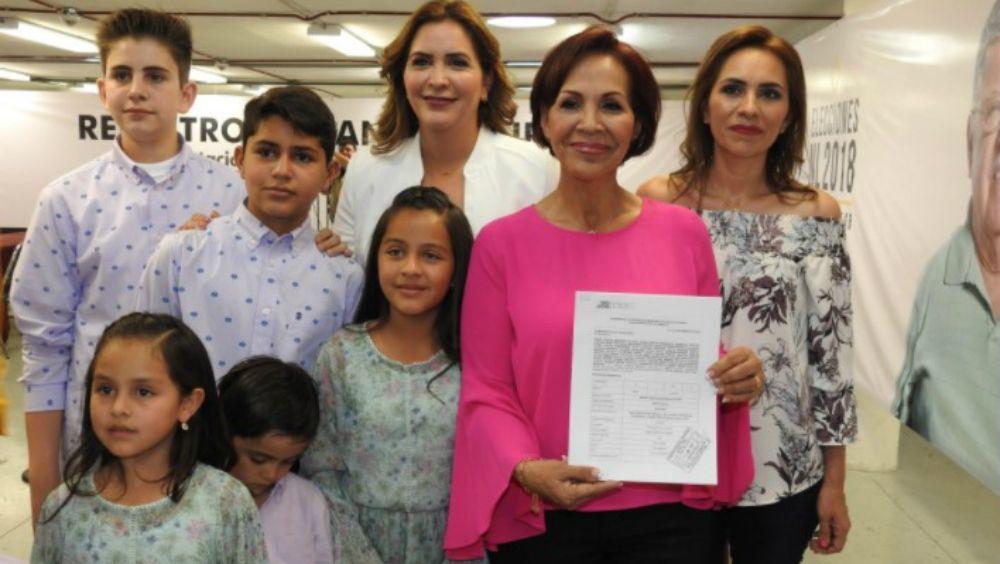 Se registra suegra de Rodríguez Calderón para alcaldía de Nuevo León - Foto: @Contraportada_r