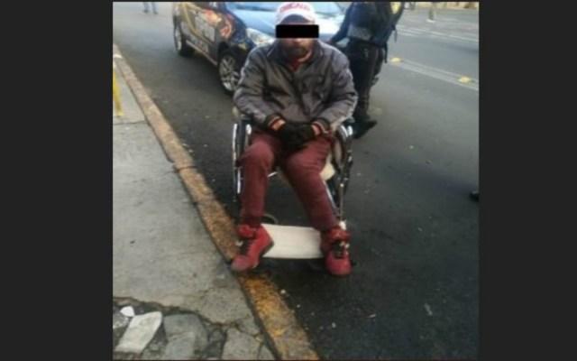Detienen a hombre en silla de ruedas tras asaltar un Oxxo - Foto de @SSP_CDMX