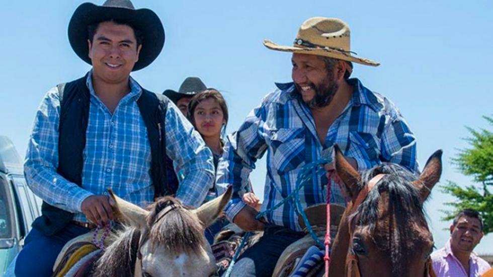 Candidato en Hidalgo podría quedar fuera de elecciones tras cabalgata religiosa - Daniel Alonso Rodríguez (izquierda). Foto de Emmanuel Rincón