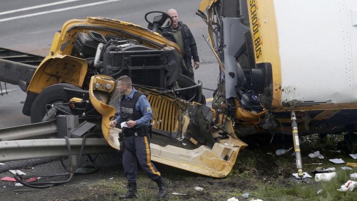 Al menos dos muertos en accidente de autobús escolar en USA