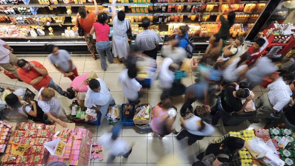 Confianza del consumidor anota su octava alza anual al hilo: INEGI