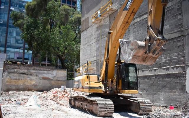 Concluye demolición de edificio dañado tras sismo en la Roma Norte - Foto de @SOBSECDMX