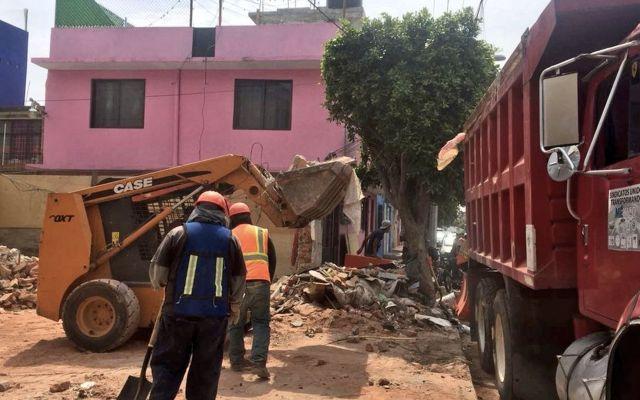 Concluye demolición de inmueble dañado por sismo en GAM - Foto de Sobse
