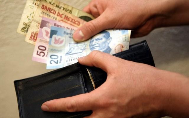 A partir de enero, el salario mínimo será de 102.68 pesos: Coparmex - Foto de Archivo