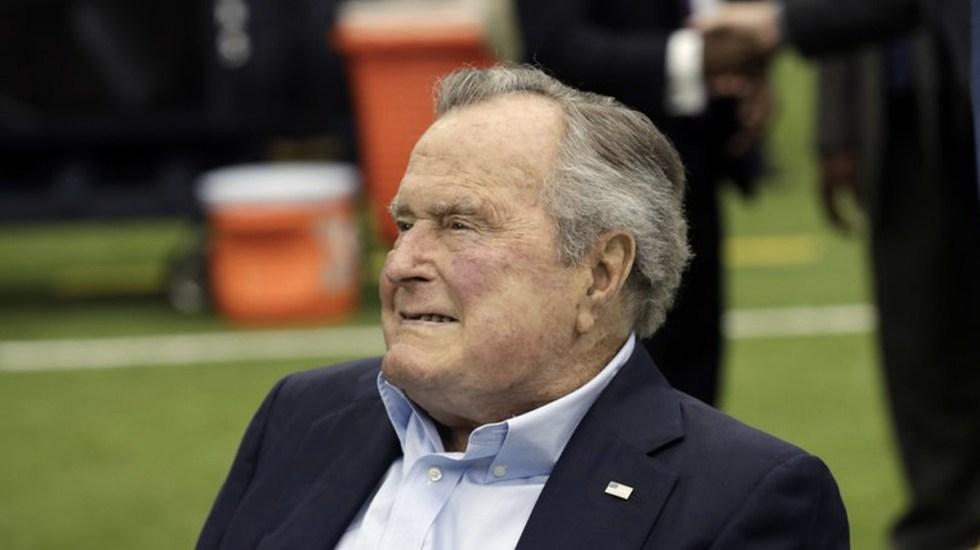 Hospitalizan a George H. W. Bush - Foto de AP