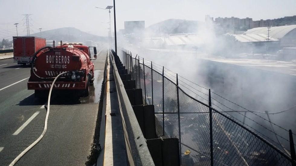 Se incendia depósito sobre la carretera México-Pachuca - Foto de @ektpnc1