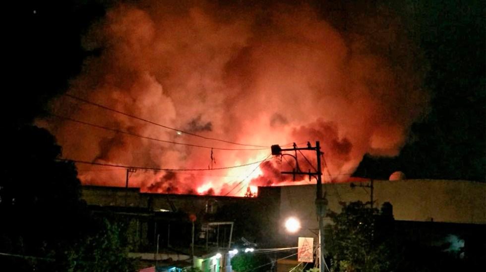 Incendio en bodega de Soriana en Acapulco - Foto de Milenio