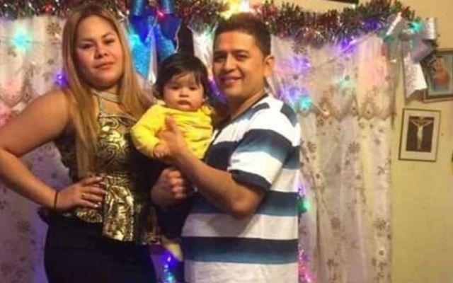 Inmigrante detenido se casa en tribunal de EE. UU. - Tatiana Chávez Vanegas y Jaime Antonio Álvarez Figueroa . Foto de Daily Mail