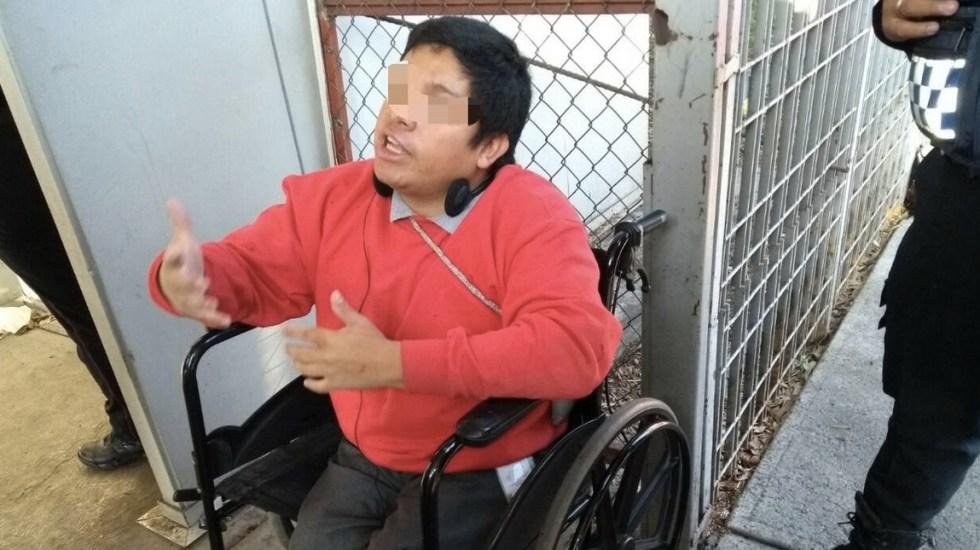 Joven en silla de ruedas golpea a policía en Taxqueña - Foto de @MrElDiablo8