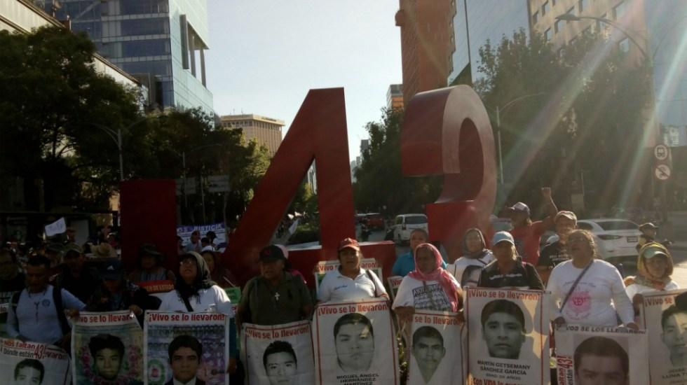 Solicita PGR a SCJN atraer siete juicios por Caso Ayotzinapa - Foto de @angelito190273