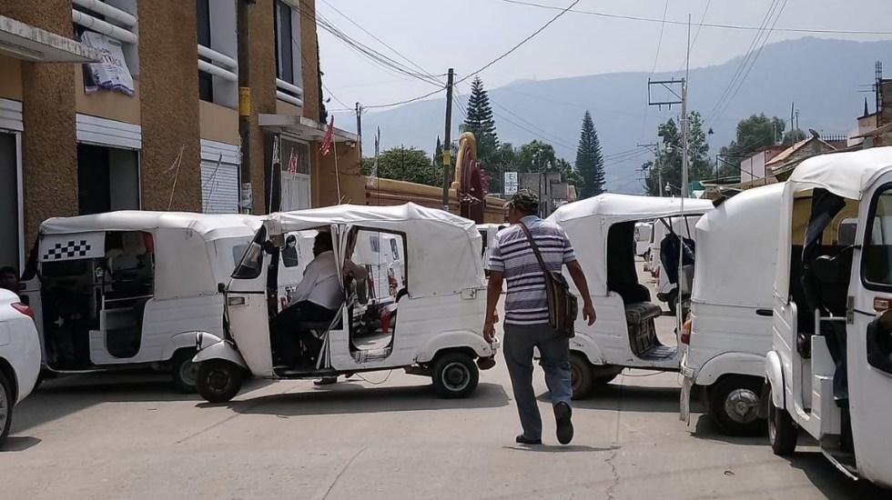Aseguran 35 mototaxis irregulares en Oaxaca - Foto de @nathanoax