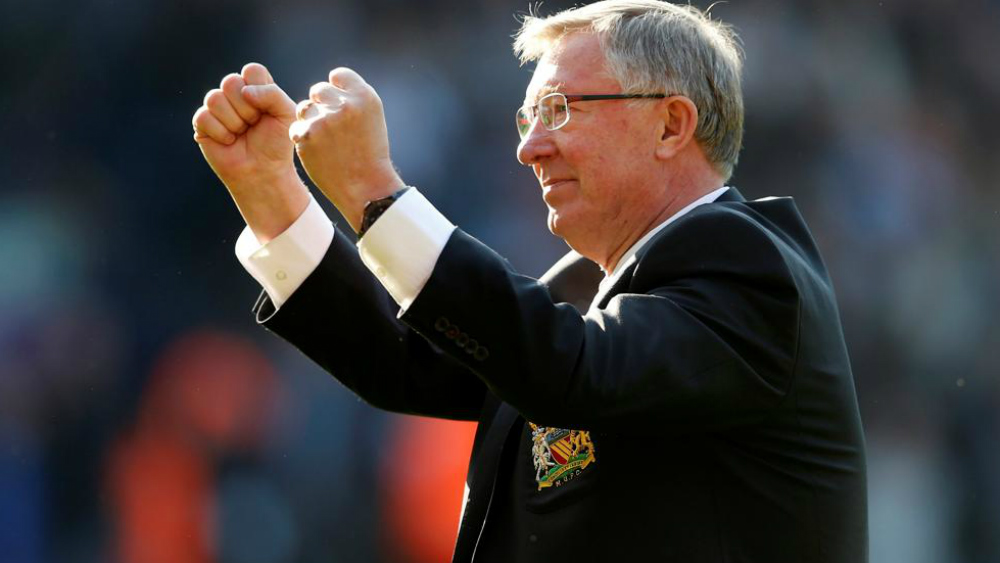 """Sir Alex Ferguson """"está despierto y puede hablar"""" - Foto de Reuters"""