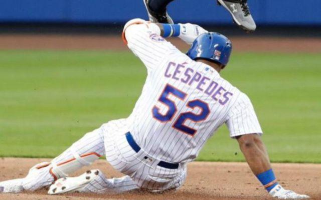 #Video Se le rompe cadena de diamantes en pleno juego en la MLB - Foto de Internet