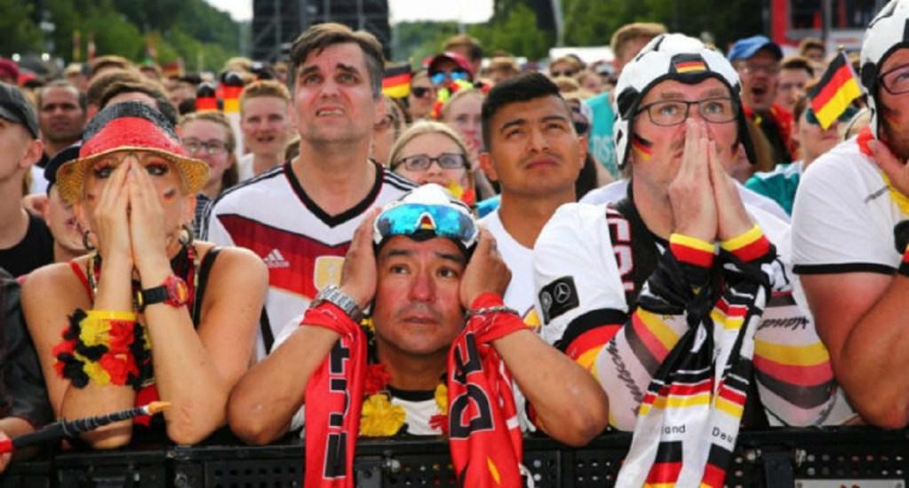 Aficionado muere en riña por descalificación de Alemania - Foto de EFE
