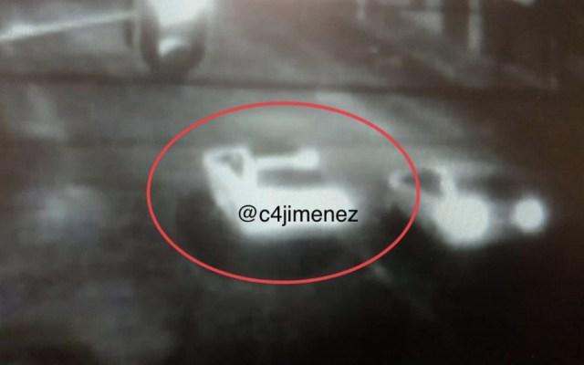 Hallan uno de los autos utilizados para abandonar descuartizados en Tlatelolco - Foto de @c4jimenez
