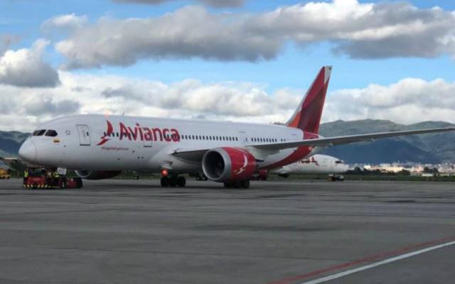 #Video Avión libera combustible antes de aterrizaje de emergencia en Portugal - Foto de Archivo Internet