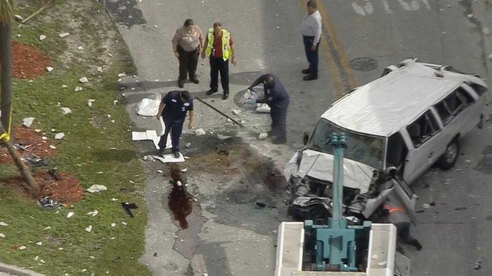 Camioneta cae cuatro pisos de estacionamiento en Miami - Foto de @BHartmanLaw